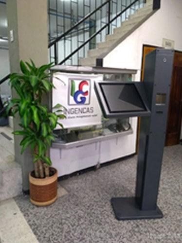 INGENCAS - Módulo informativo con pedestal a piso 2